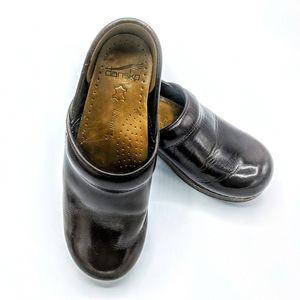 Dansko brown leather clogs size 37 narrow